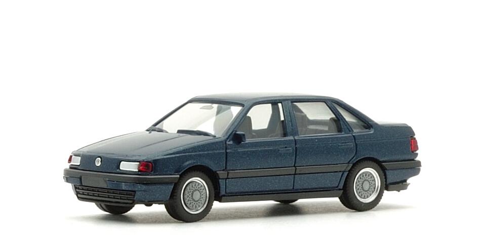 への本舗 (VW Passat)